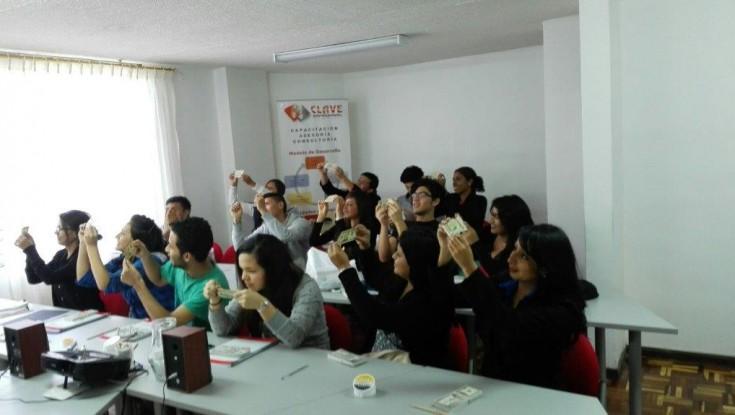 ESCUELA INTEGRAL DE CAJEROS PARA INSTITUCIONES FINANCIERAS